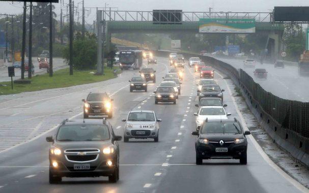 Condição das rodovias brasileiras melhora, mas número de trechos com risco aumenta, diz CNT