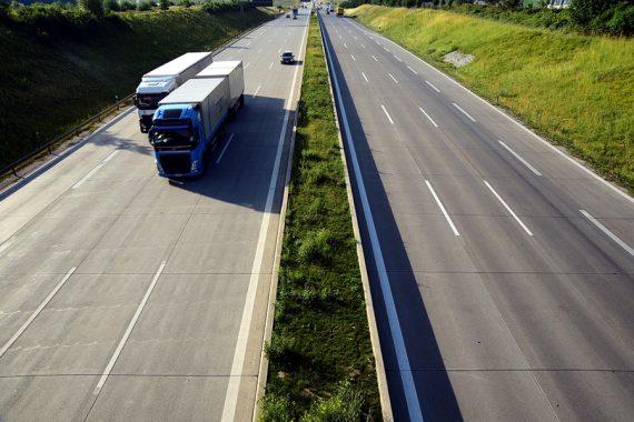 Feriado à vista! Leve na bagagem atenção redobrada nas estradas e direção defensiva